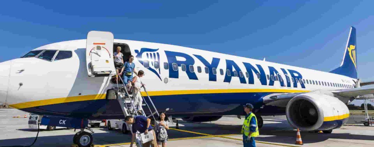 Crewlink: Ryanair seleziona Assistenti di Volo da Nord a Sud, ecco Date e Città