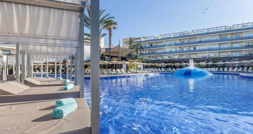 VIVA Hotels: lavoro da 1.642€ mensili + 400€ di Rimborso per Animatori Turistici