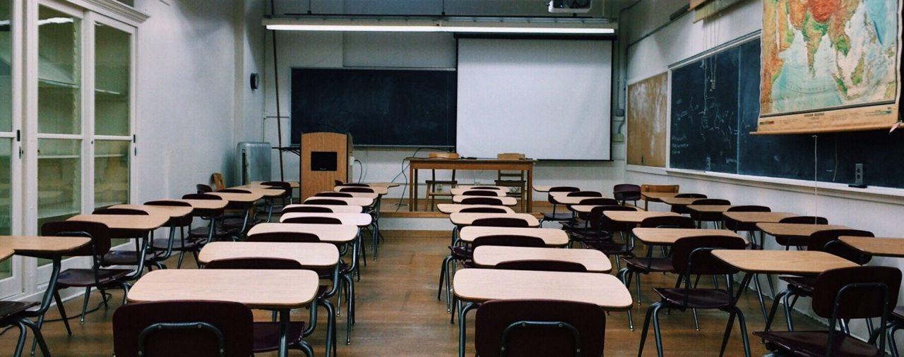 Iscrizione ed aggiornamento delle graduatorie regionali per l'immissione nel ruolo degli insegnati delle scuole secondarie regionali