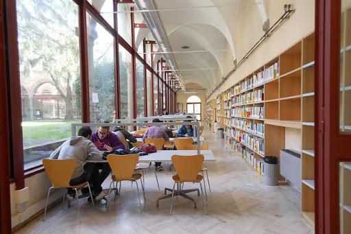 Lavoro PA: 14 Posti nell'Area Biblioteca, Manutenzioni, Verde, Ambientale, ecc